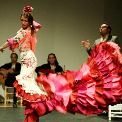 Flamenco Solo mit Gitarristen und Sänger