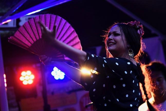 Flamenco-Tänzerin (Musik vom Band)