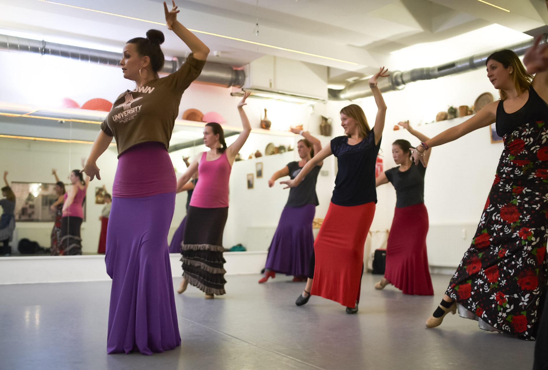 la_cari_dance_flamenco