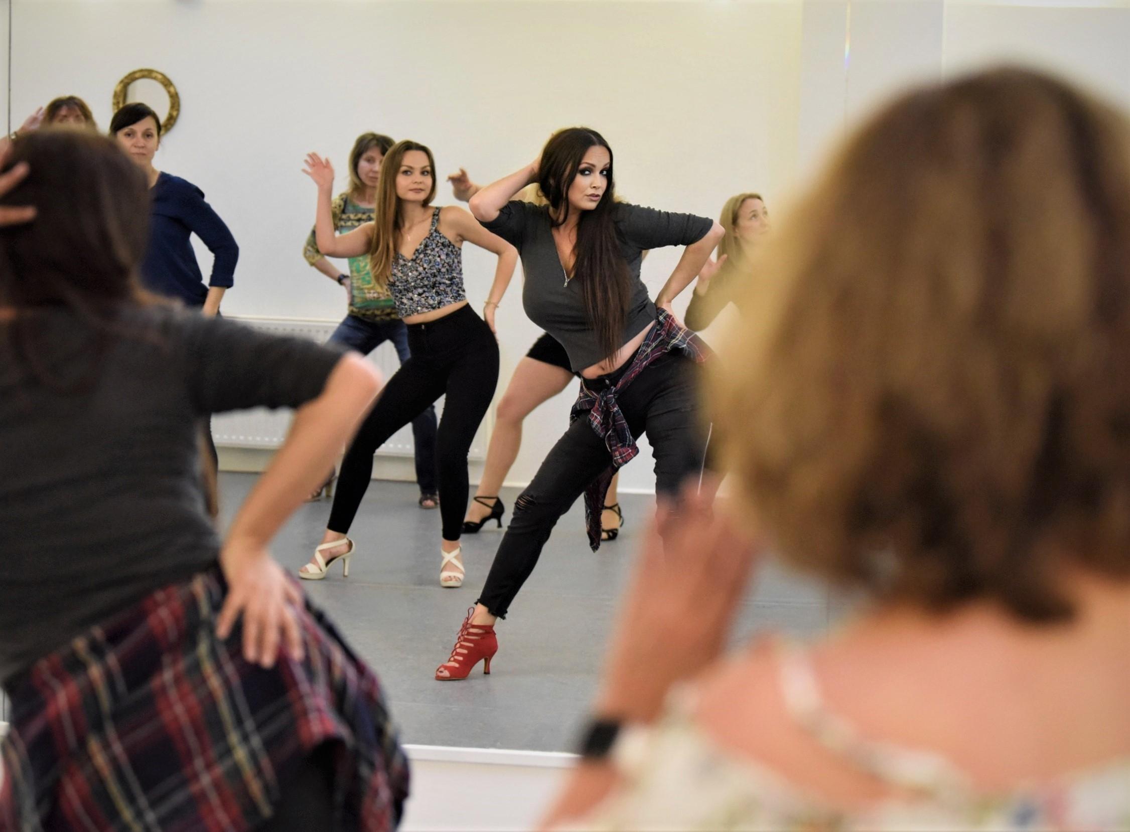 la_cati_dance_salsa_flamenco