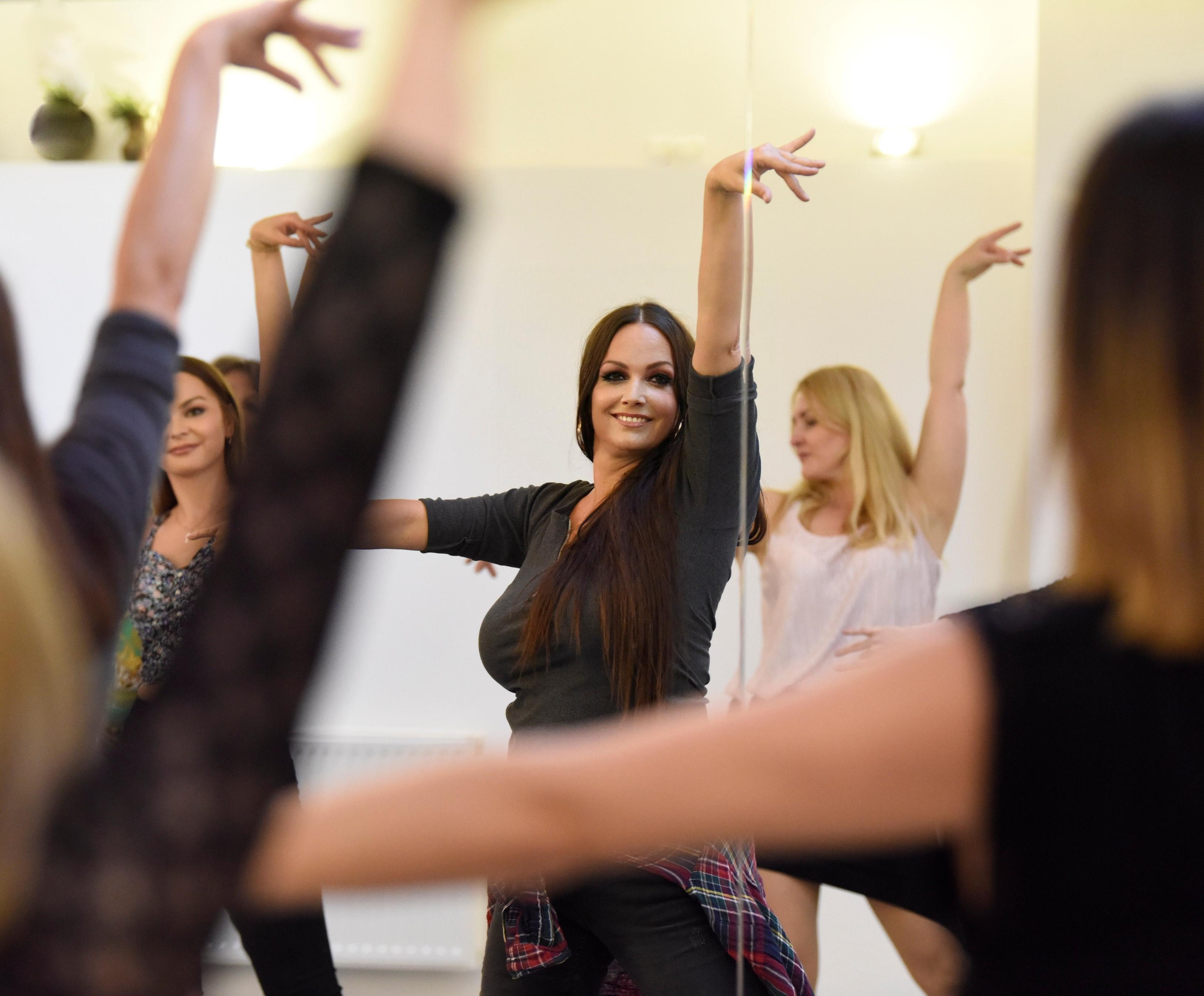 la_cati_dance_bachatala_cati_dance_bachata